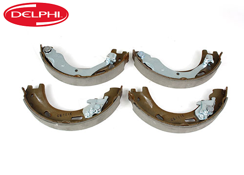 Disco 3 & 4, Range Rover Sport Delphi Brake Shoes - LR031947G