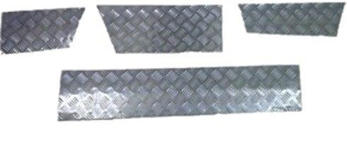 Discovery 1 - Skirting Chequer Plate