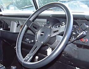 "Land Rover Series 2/3 14"" 3 Spoke Vinyl Steering Wheel with Boss"