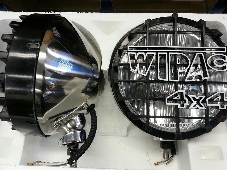 "Pair of 8"" Wipac Chrome Driving Lights - S6013C"